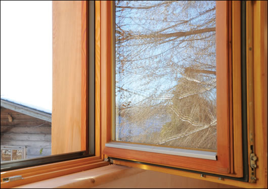 Typical window jamb detail in the house – all windows are tripleglazed and argon filled